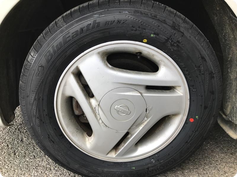 車のタイヤ、持ち込み交換していただきました