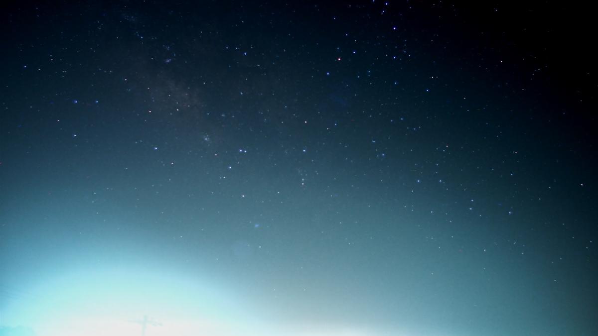 星空ナイトラプス、雲が多いけど、悪くはない