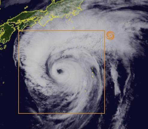 台風の通り道に住んでいる方、台風の目を経験できるかも